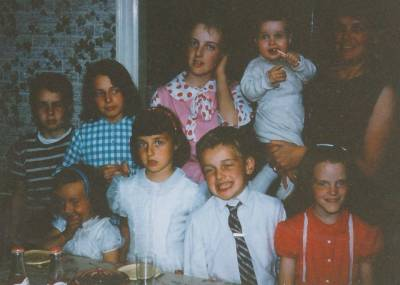 b2ap3_thumbnail_childhood-family-birthday.jpg